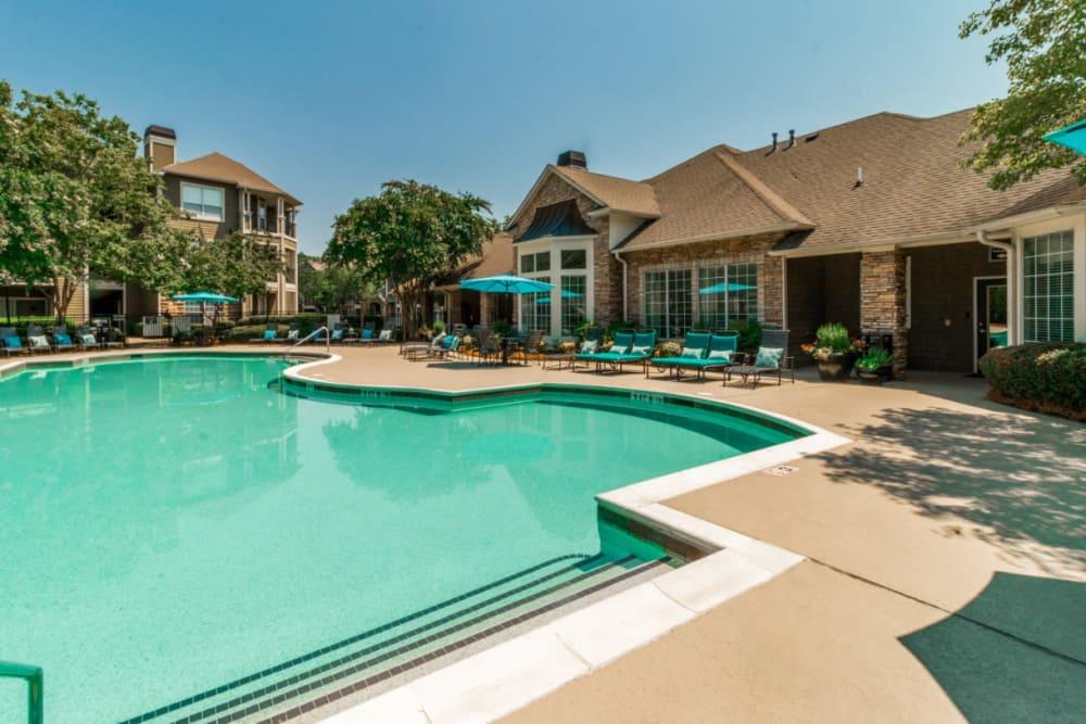 Three foot section of sparkling pool at at Marquis at Carmel Commons in Charlotte, North Carolina