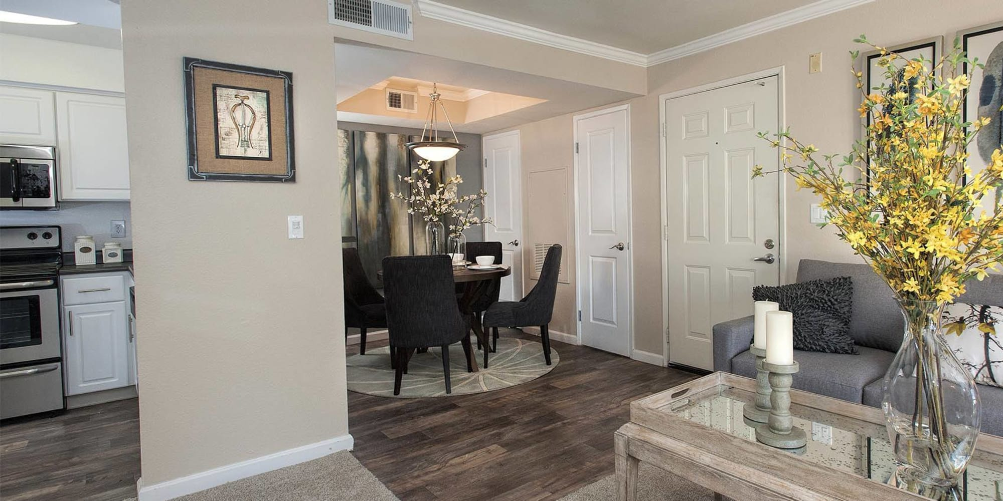 Luxury Mill Springs Park Apartment Homes in Livermore, California