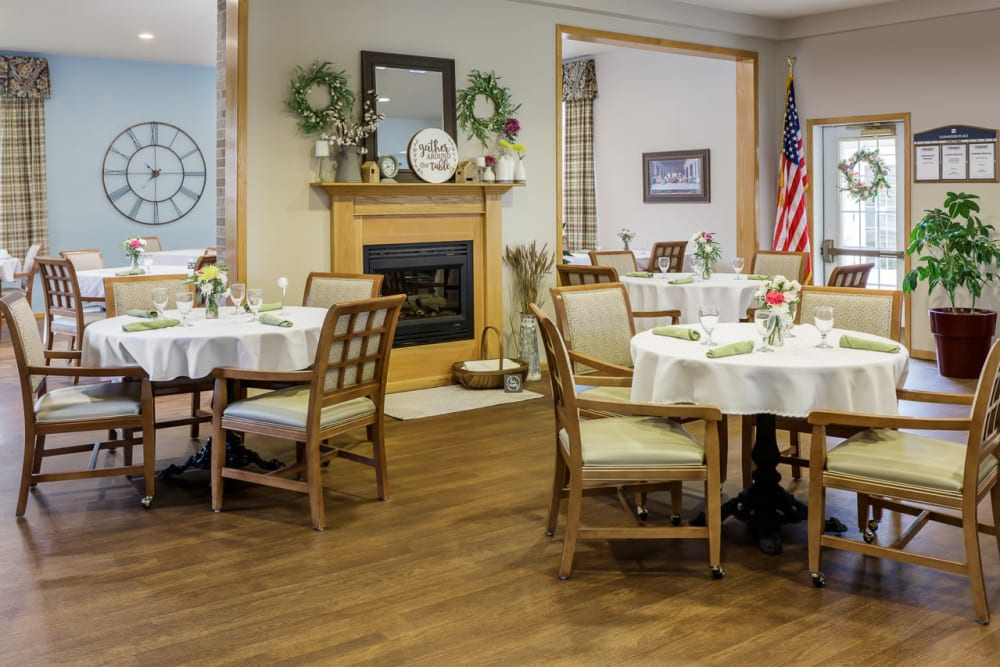 Resident dining room at Glenwood Place in Marshalltown, Iowa