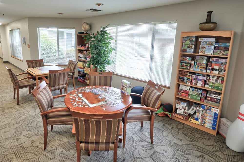 Lounge and book room at Regency Woodland in Salem, OR anytime!