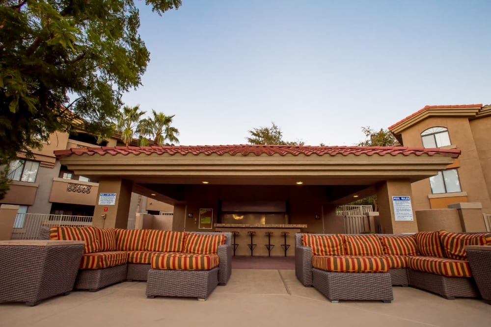 Outdoor clubhouse at The Palms on Scottsdale in Tempe, Arizona