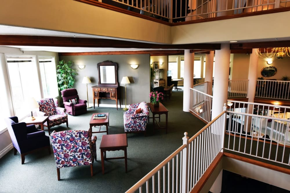 Regency Village at Prineville offers a common area in Prineville, Oregon