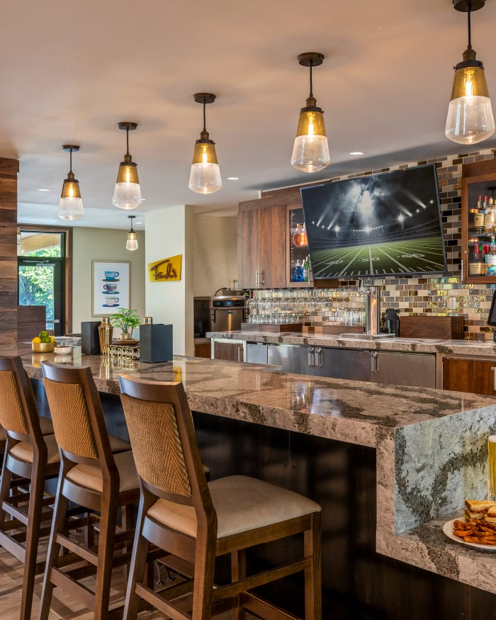 Fancho's Public House. Casual Fare, Bar, & Billiards at The Springs at Lake Oswego in Lake Oswego, Oregon