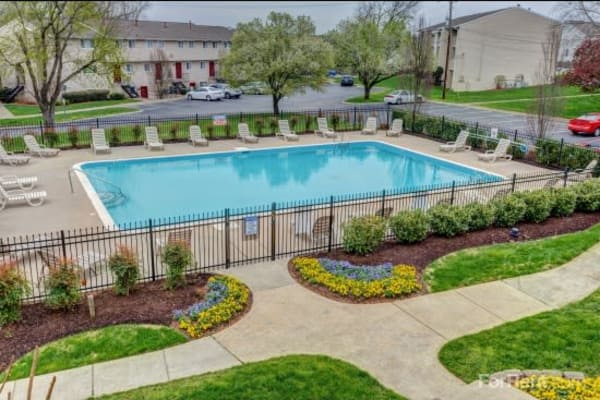 Aerial view of the swimming pool at Lincoya Bay Apartments & Townhomes in Nashville, Tennessee