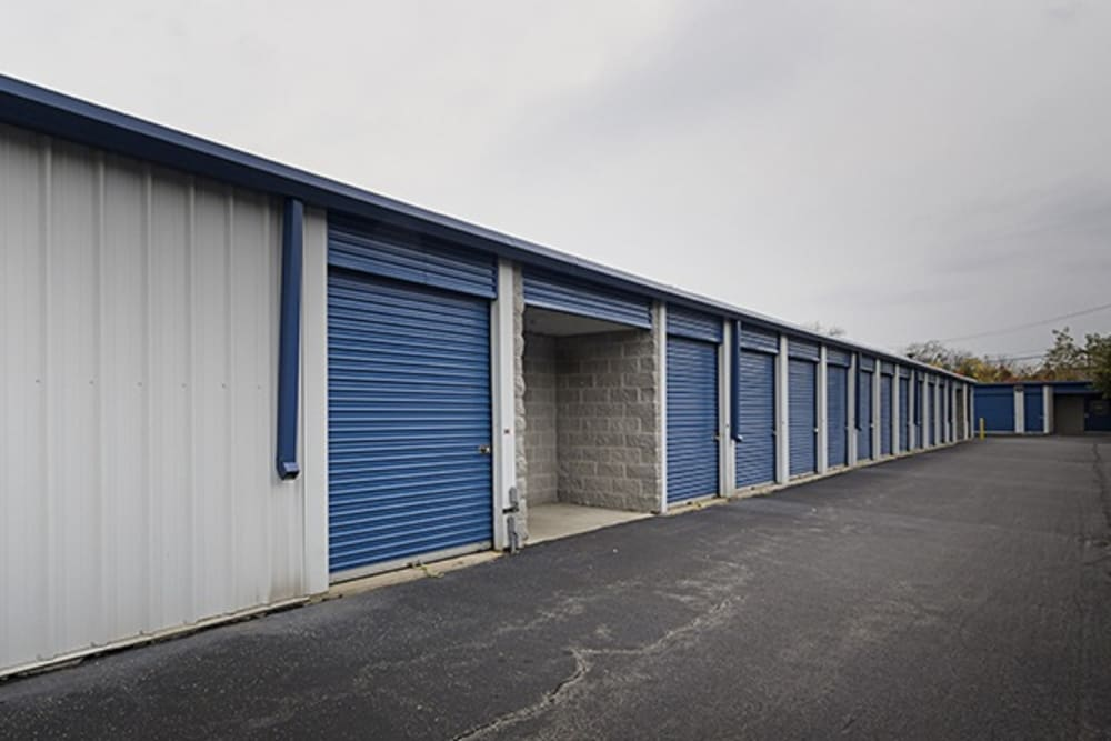 Drive up access to outdoor storage units at Metro Self Storage in Chicago, Illinois