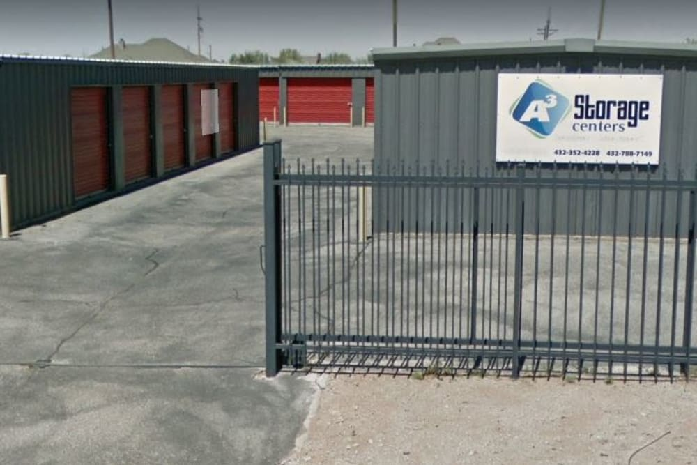 Front entrance to A3 Storage Centers in Seminole, Texas