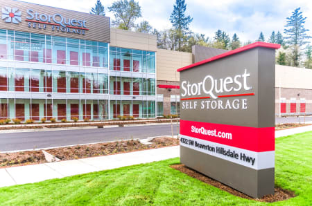 Store front at StorQuest Self Storage in Portland, OR