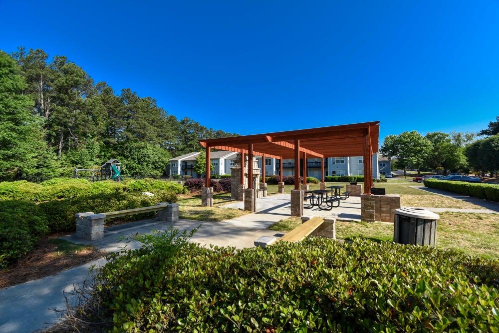 Exterior patio at The Park at London in Ellenwood, Georgia