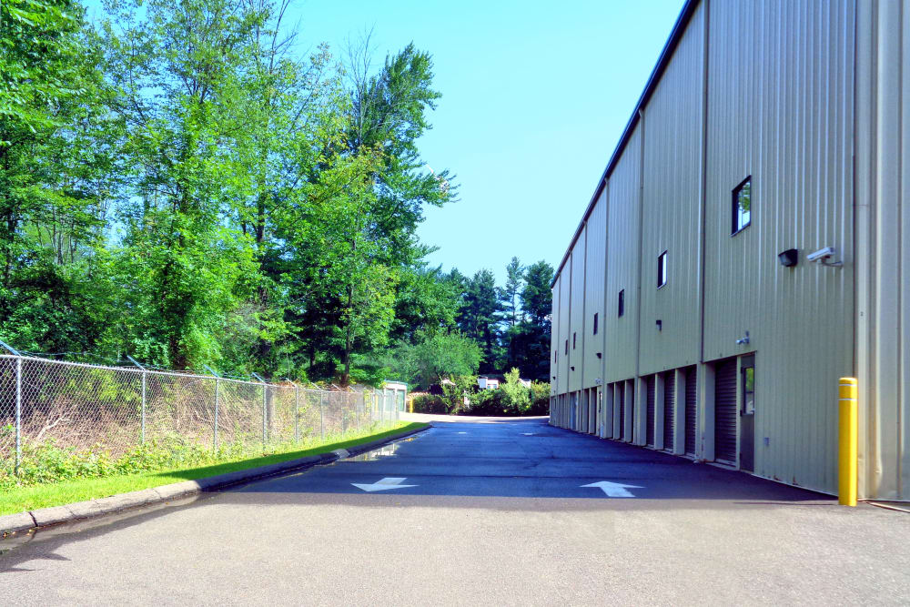 Wide driveways at Prime Storage in Danbury, Connecticut
