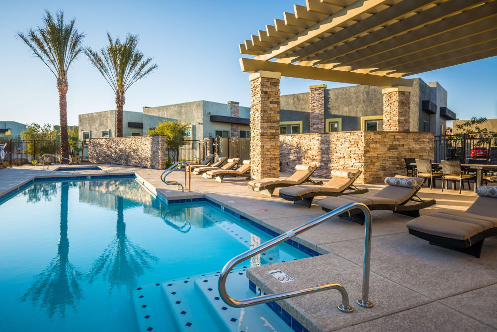 Avilla Victoria offers a refreshing pool in Queen Creek, Arizona
