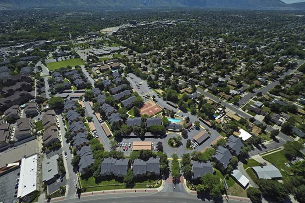 Aerial shot of Royal Ridge Apartments
