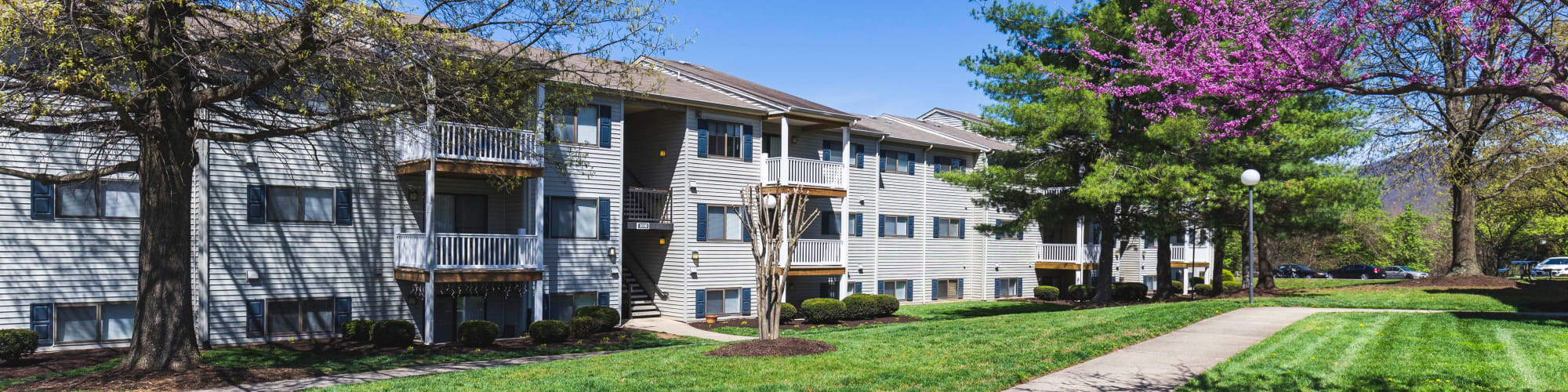 Directions to Hickory Woods Apartments in Roanoke, Virginia