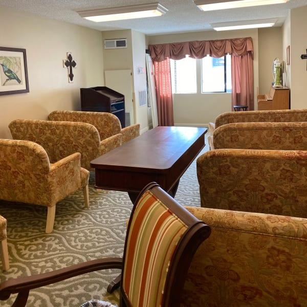 Dining area at Pacifica Senior Living Menifee in Sun City, California.