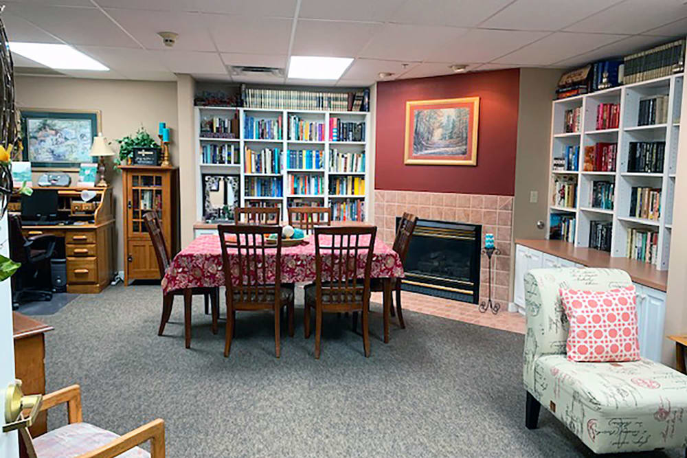 library at Peachtree Village Retirement Community