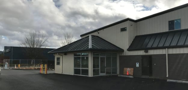 Our new self storage facility in Newberg office entrance