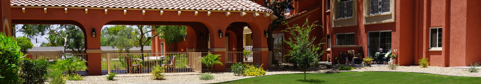 Dining at Casa Del Rio Senior Living in Peoria, Arizona