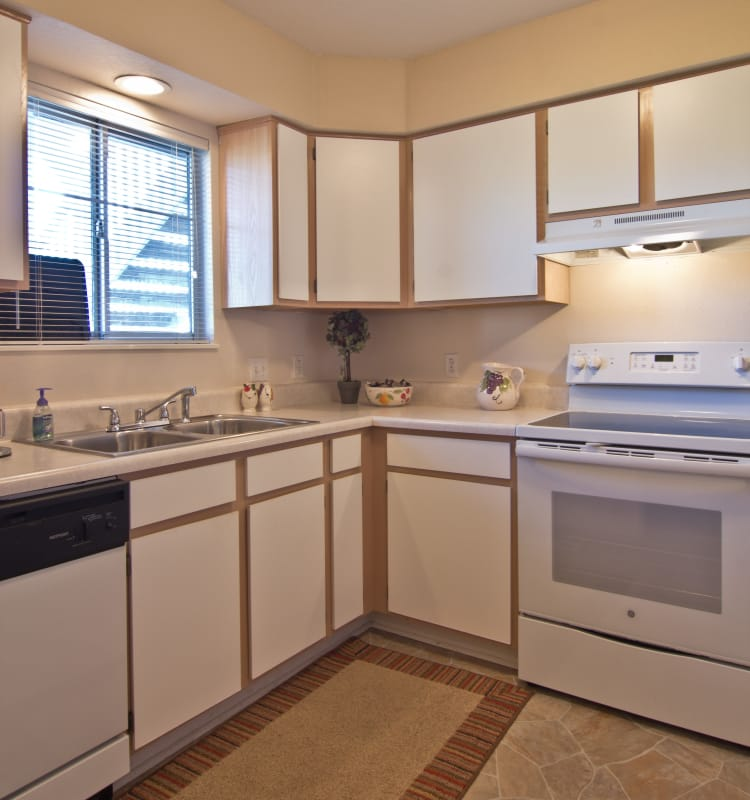Well-equipped kitchen at Steeplechase Apartments & Townhomes