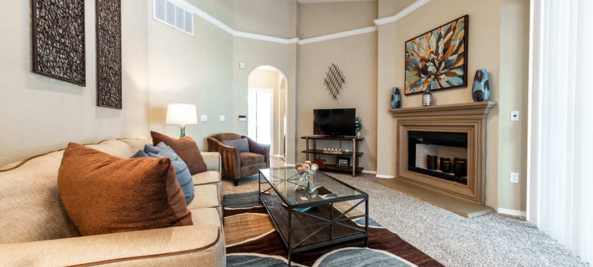 Apply to live at Marquis at Waterview in Richardson, Texas