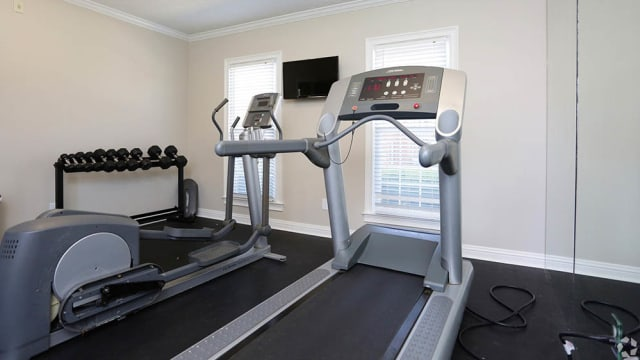 Halcyon Park Apartments offers a fitness center in Montgomery, AL