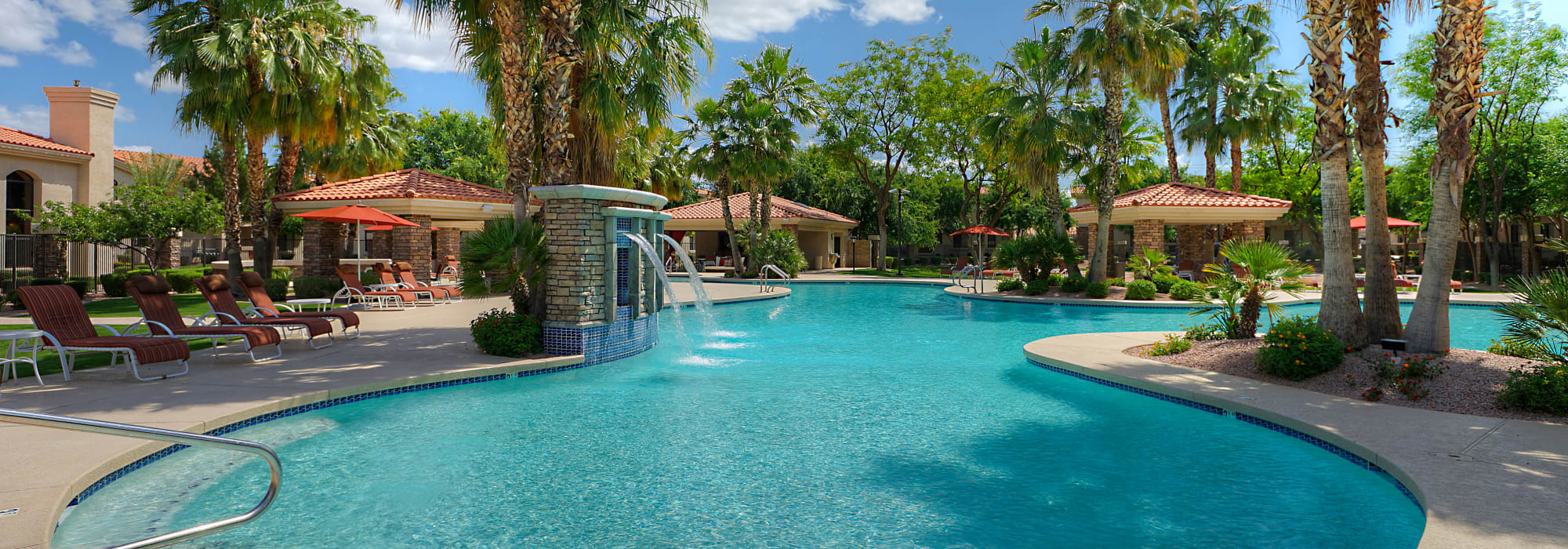 Luxury pool with fountain at San Palacio in Chandler, Arizona