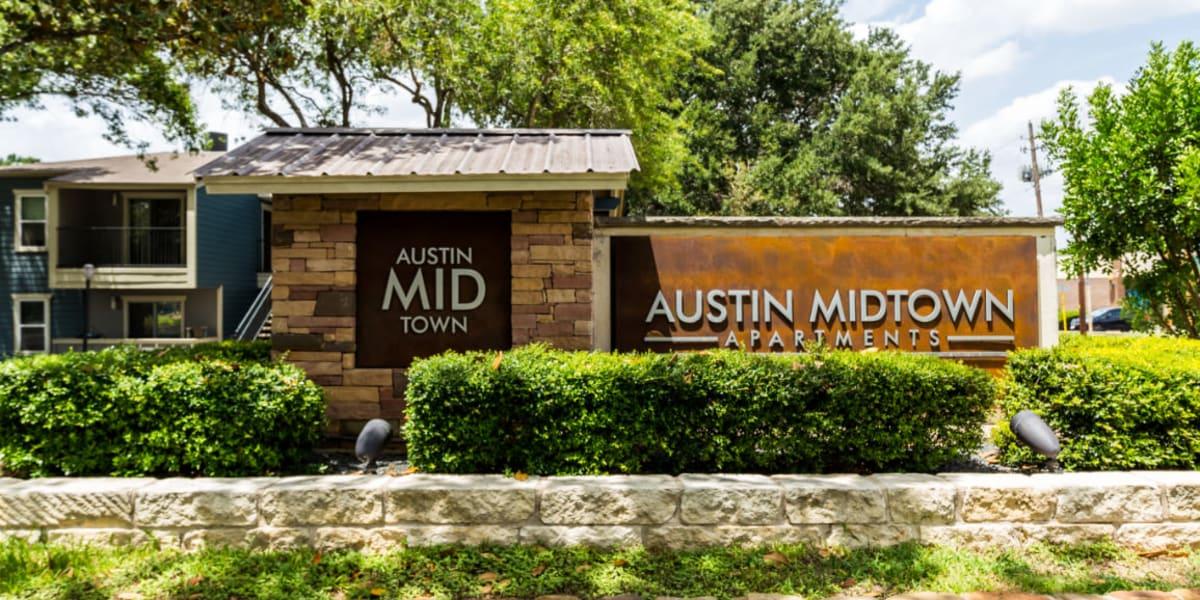 Main entrance property sign to Austin Midtown in Austin, Texas