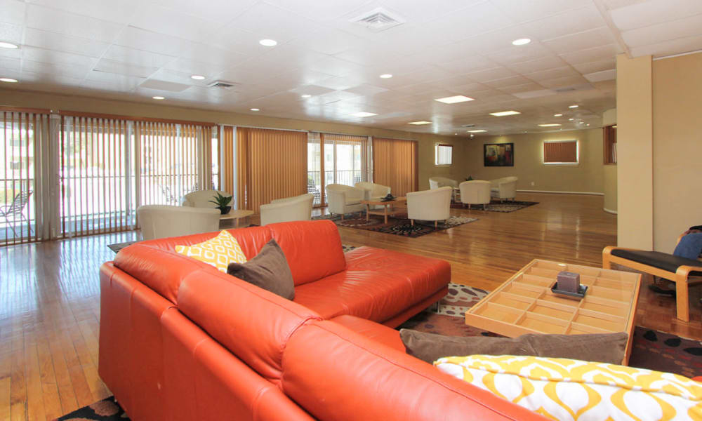 Spacious visiting area at Lighthouse at Twin Lakes Apartment Homes