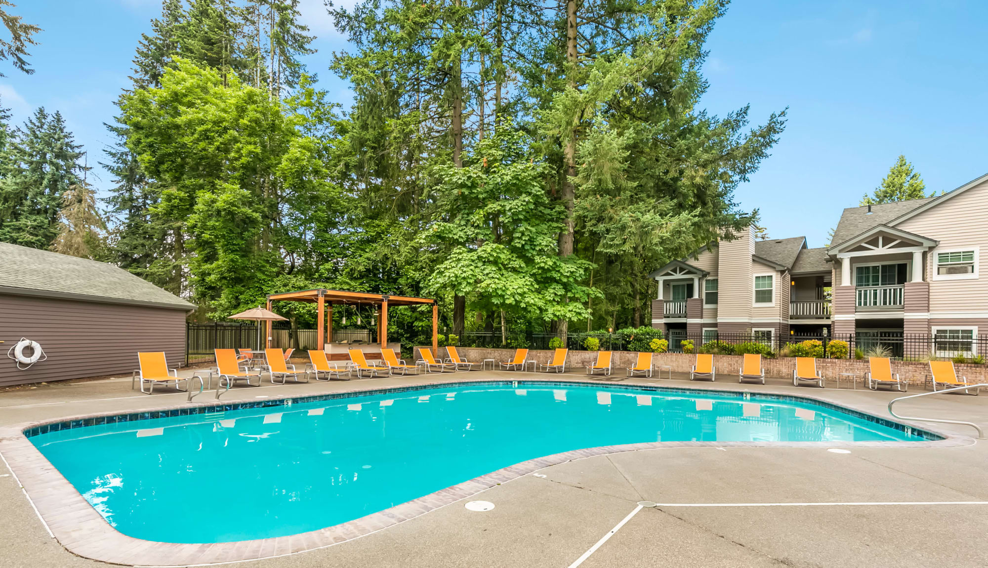 Beautiful Sparkling pool with Covered BBQ Area  in Vancouver, WA