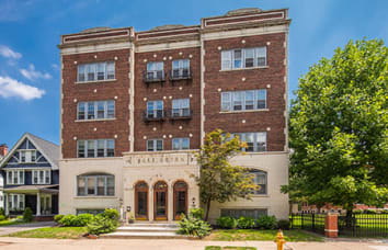 Barrington Apartments in Rochester
