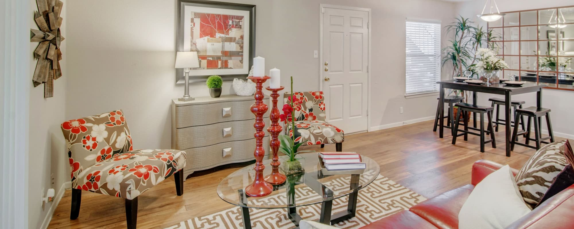 Beautiful living room at Retreat at Hart Ranch in San Antonio, Texas