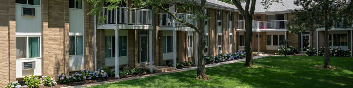 Apply online at Ann Arbor Woods Apartments