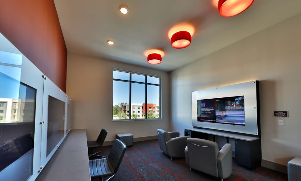 Business Center to work in at Luxor Club in Jacksonville, Florida