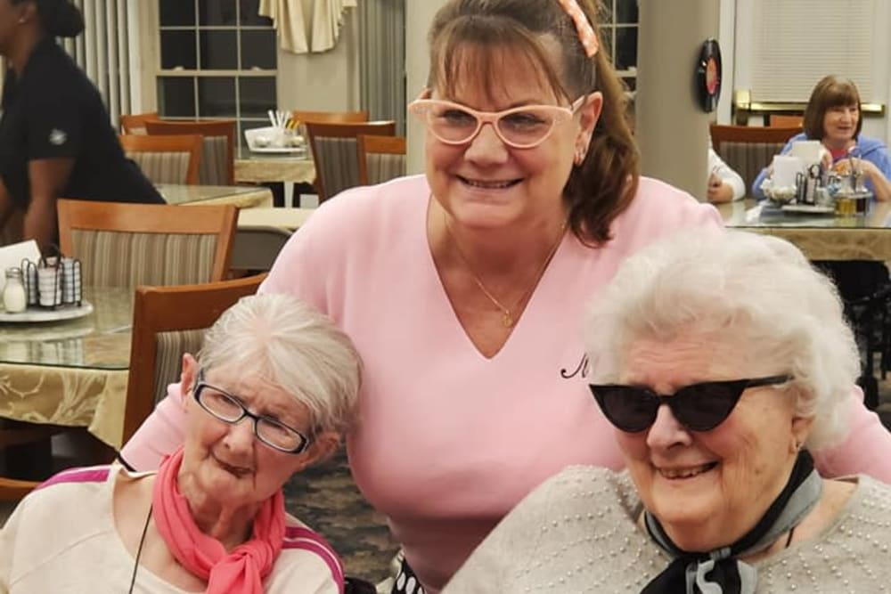 Happy residents at Brentwood at Niles in Niles, Michigan