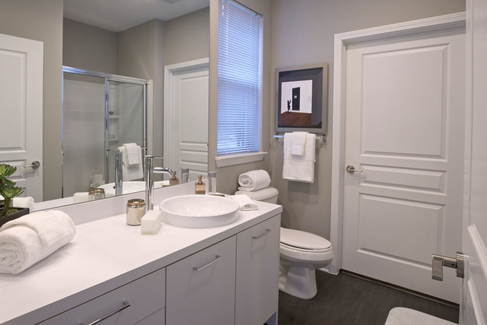 Bathroom layout at Five Points in Auburn Hills, Michigan