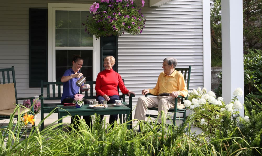 Residents enjoying dining outside at Equinox Terrace in Manchester Center, Vermont