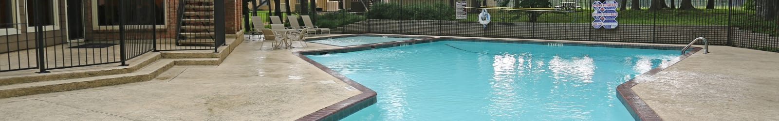 Pet Friendly apartments at Bayou Parc at Oak Forest in Houston, Texas