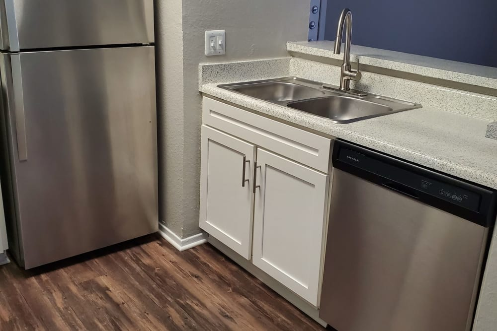 8500 Harwood Apartment Homes in North Richland Hills, Texas offers a kitchen