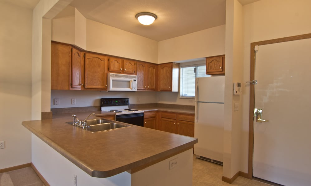 Beautiful kitchen at Steeplechase Apartments & Townhomes in Toledo, Ohio