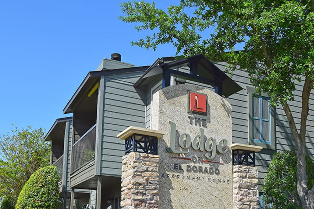 Front signage at The Lodge on El Dorado in Webster, Texas