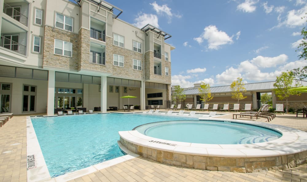 expansive pool deck at GreenVue Apartments