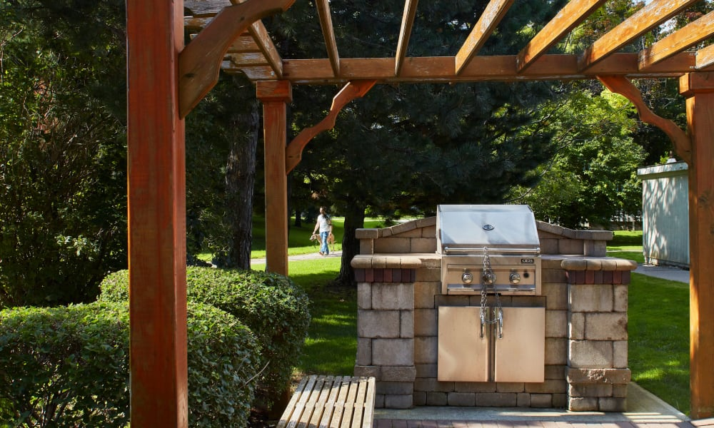 Outdoor BBQ grilling station at The Waterford Tower in Mississauga, Ontario