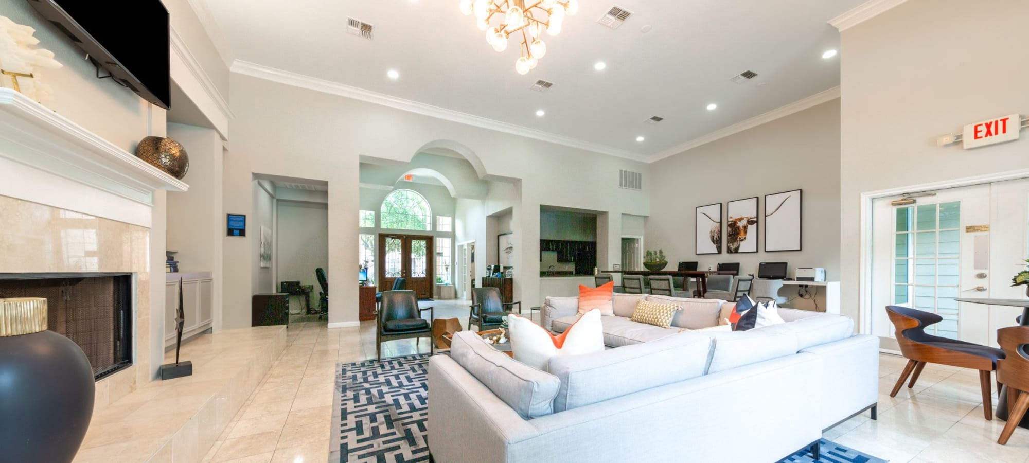 Amenities at Marquis at Westchase in Houston, Texas