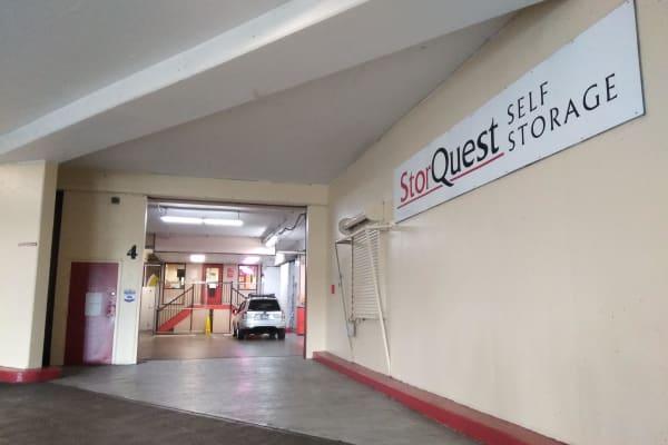 Self storage unit facility in Honolulu