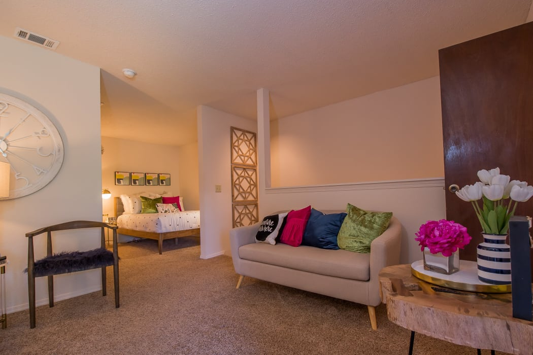 Well-decorated living area at Silver Springs Apartments in Wichita, Kansas