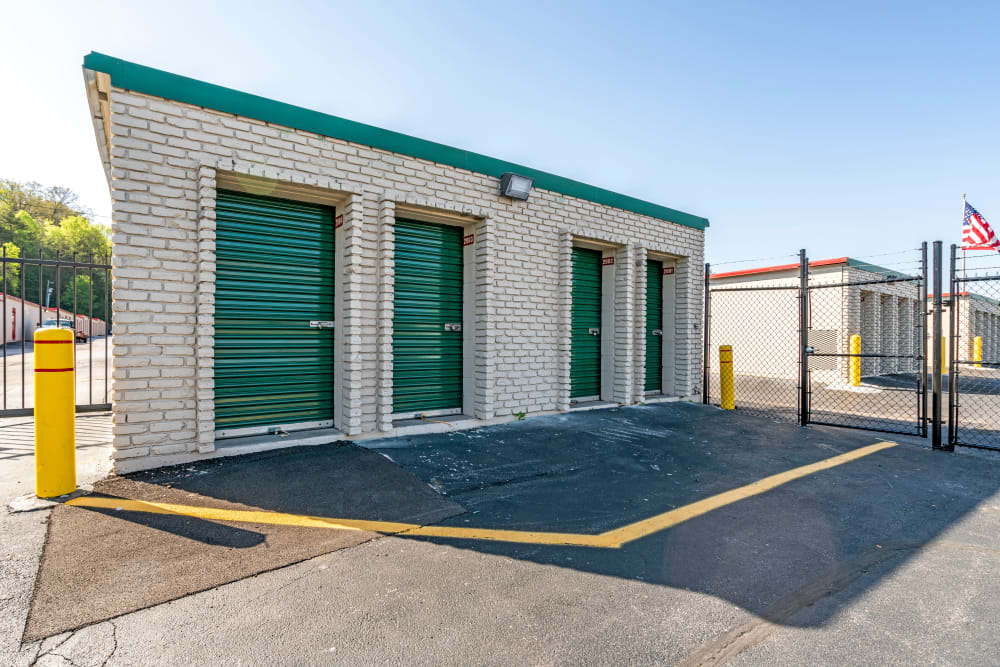 Outside units at Metro Self Storage in Knoxville, TN