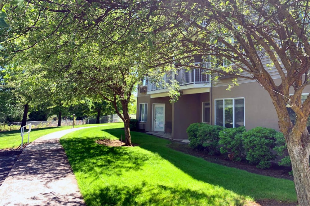 Walkway at Maple Ridge Senior Living in Ashland, Oregon