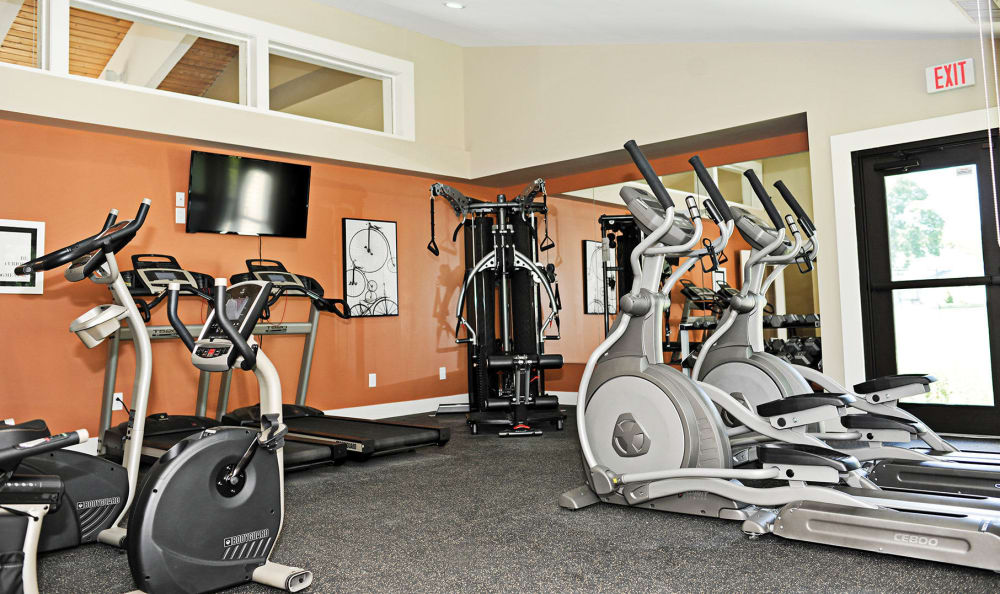 Penbrooke Meadows Apartments fitness center in Penfield, NY