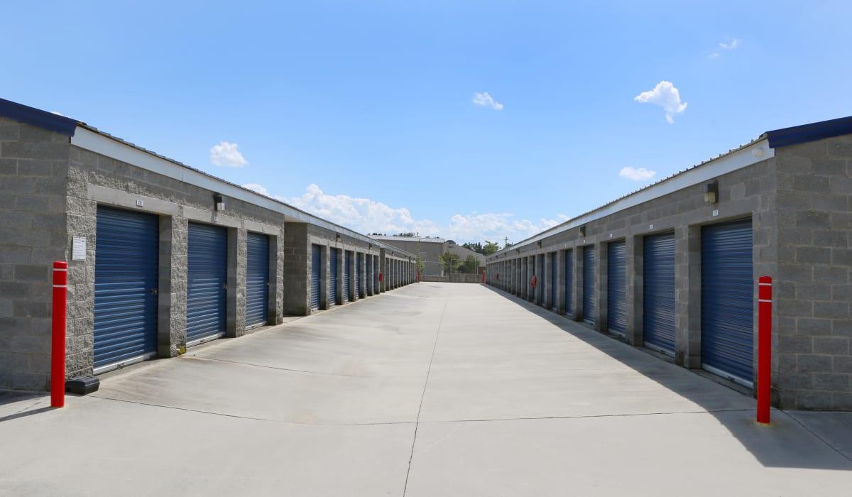 Exterior units at Midgard Self Storage in Columbia, SC
