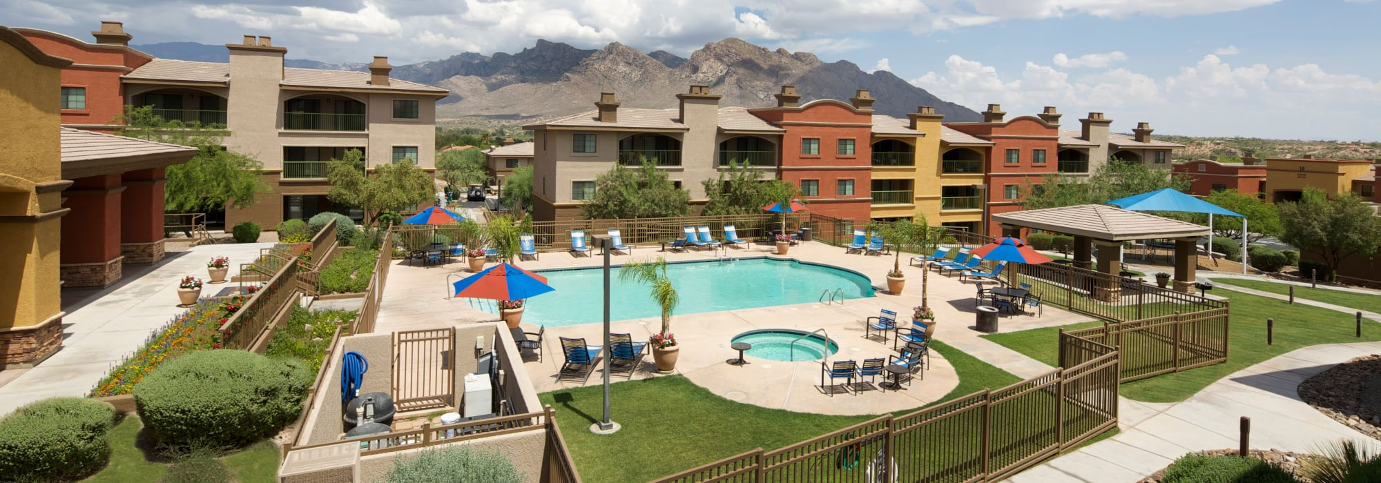 Apartments at Oro Vista Apartments in Oro Valley, Arizona
