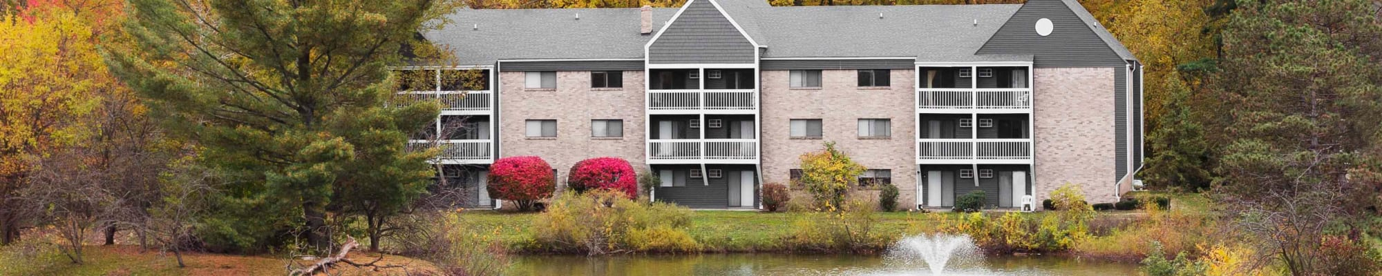 Schedule a Tour at Kellogg Cove Apartments in Kentwood, Michigan
