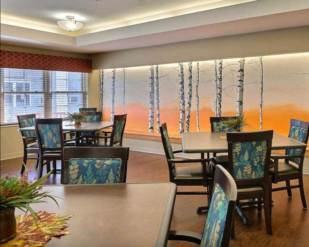 Large resident dining room at Milestone Senior Living in Tomahawk, Wisconsin.